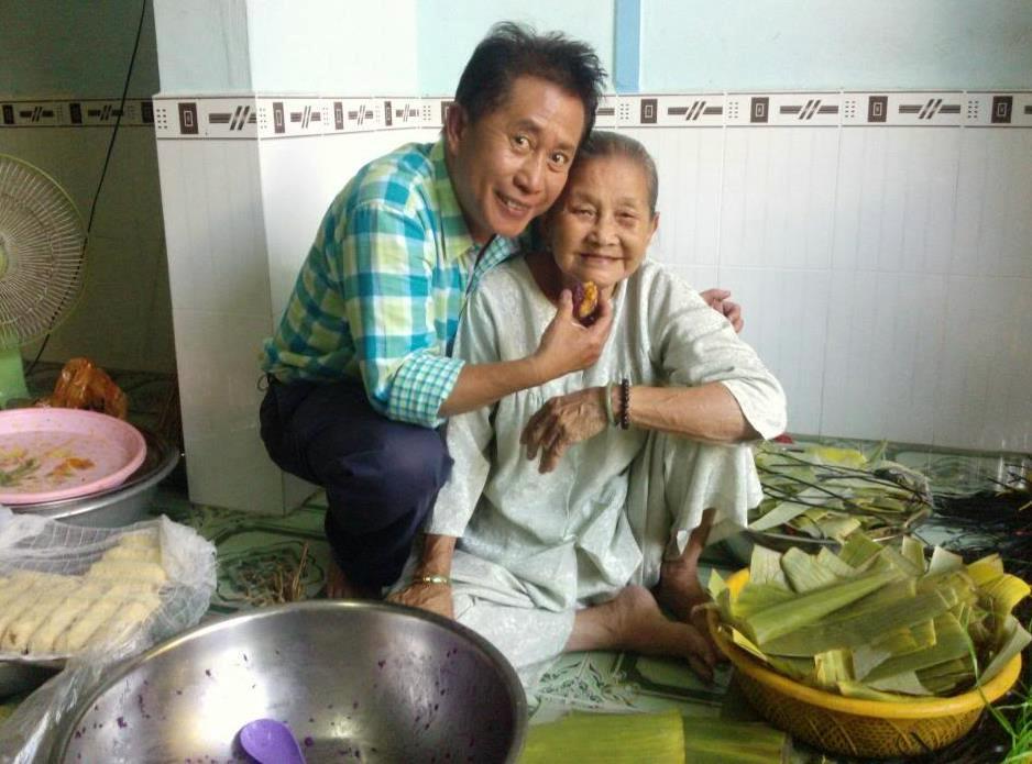 """Yan Can Cook ghé thăm bà Trọng trong chương trình """"Taste of Vietnam"""""""