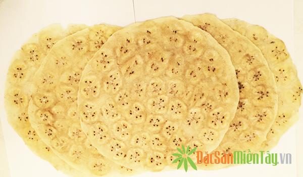 Bánh tráng chuối nướng