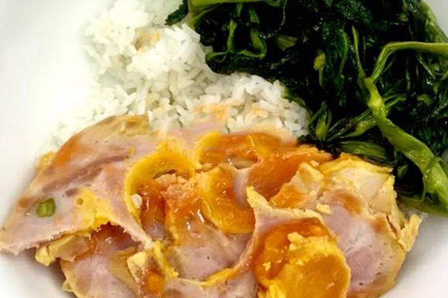 Gà rút xương nhồi thịt,... có thể hâm nóng và ăn với cơm rất ngon