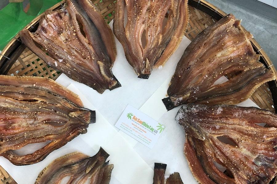 Kho cá lóc đồng Cà Mau tại cửa hàng Đặc sản miền Tây